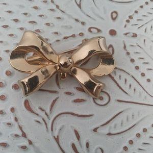 vintage Cora bow brooch